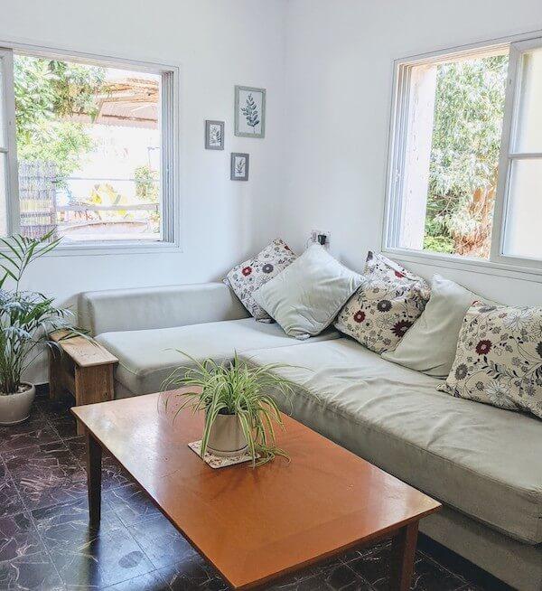 הסלון של ליטל שמעוני מהבלוג צריכה אחרת